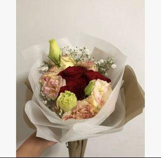 🚚 [AVAILABLE] 3 Stalk rose bouquet