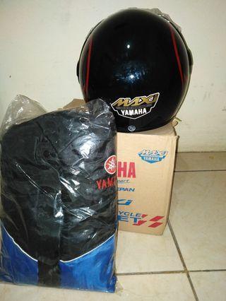Helm dan jaket original bawaan Yamaha Lexi