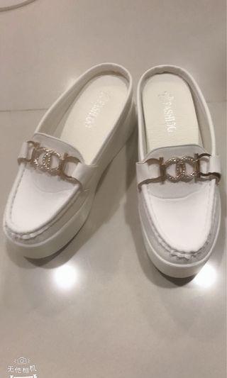🚚 超穩小白鞋拖鞋