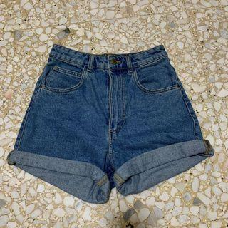 🚚 Zara High Waisted Denim Shorts