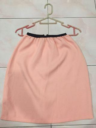 Light pink women formal pencil skirt (stretchable waist with zip)