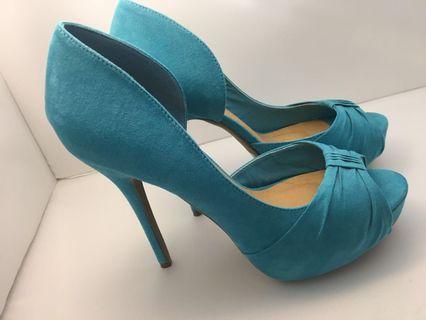 Stunning blue heels