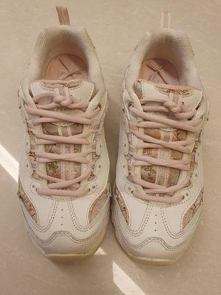 Skechers Sport D'Lite lace-up sneaker