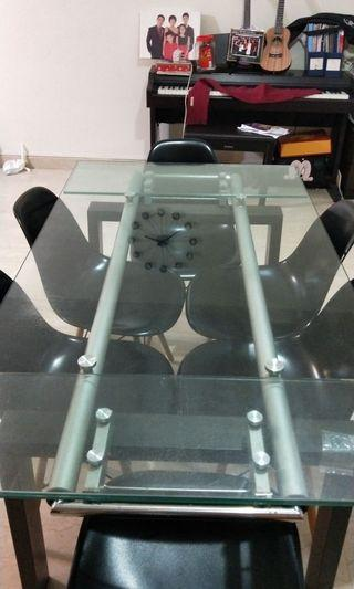 Tempered glass table (extendable)