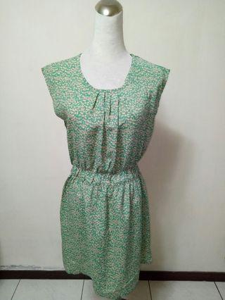 【保證新品】綠色碎花 無袖連身小洋裝 可另繫腰帶