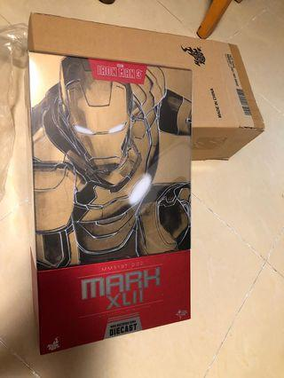 Hottoys Ironmn Mark XLII