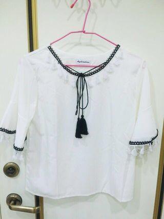 綁帶造型全白雪紡上衣