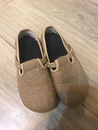 泰國草鞋大碼 around EUR 38-40