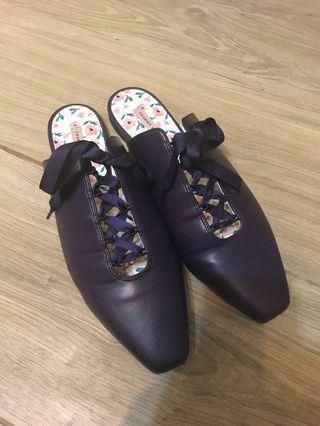 Charles & Keith 深紫色涼鞋