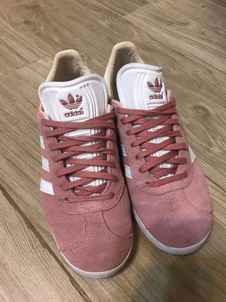 Adidas 粉紅色Gazelle波鞋