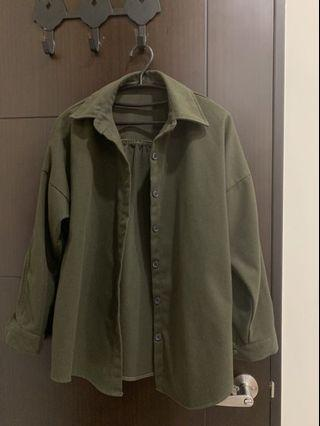 Lulu's質感軍綠襯衫外套
