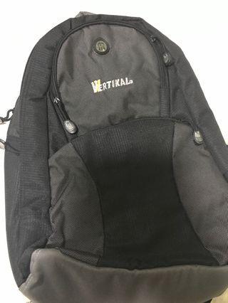 Vertikal Laptop Backpack