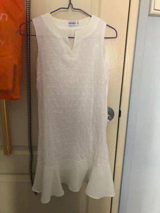 🚚 Playdress white dress