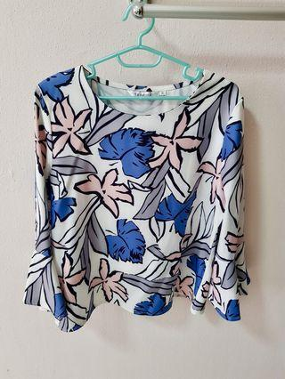 🚚 Floral and Mint Blouse