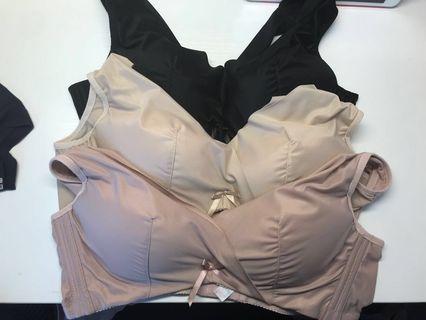 半價85B日本入口睡眠內衣 room bra sleeping bra無鋼圈