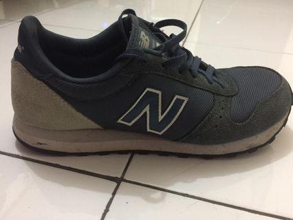 Sepatu New Balance Size 42 Original
