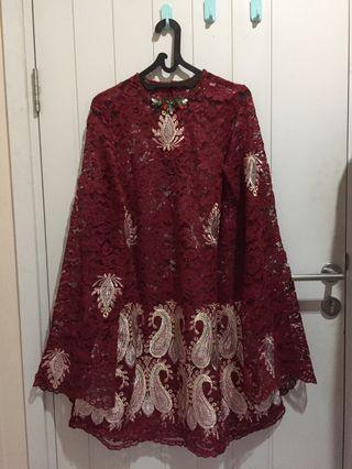 Mididress/ dress brokat