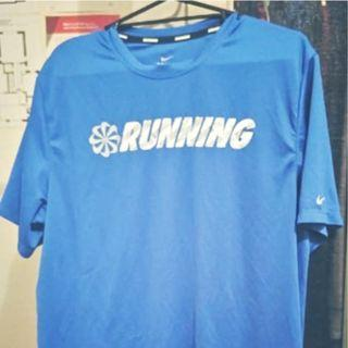 Running top Nike L size