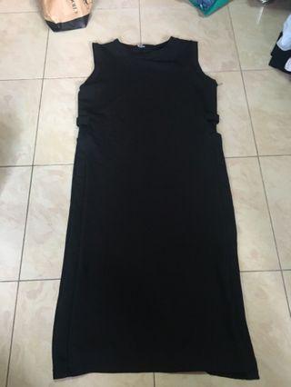 🚚 Basic Black Slit Dress