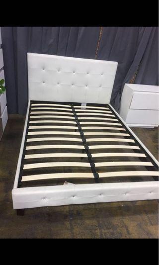 Brand new in box queen platform bed