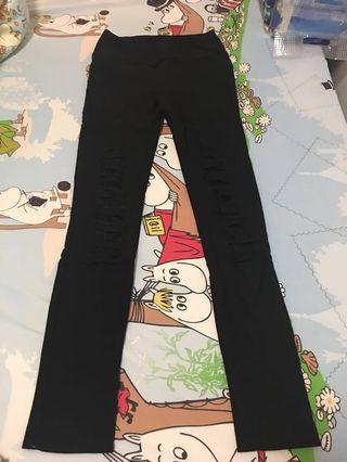 黑色長褲 (trousers)