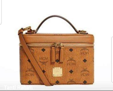 🚚 MCM Structured Satchel (Small)