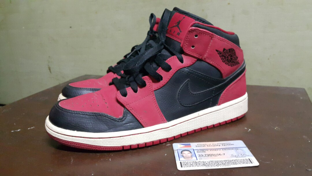 ae54d069de7 Air Jordan 1 mid BREDS Size 9.5us, Men's Fashion, Footwear, Sneakers on  Carousell