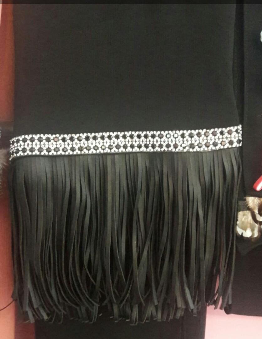 Chiffon crepe shawl with Leather tassel and diamond lace