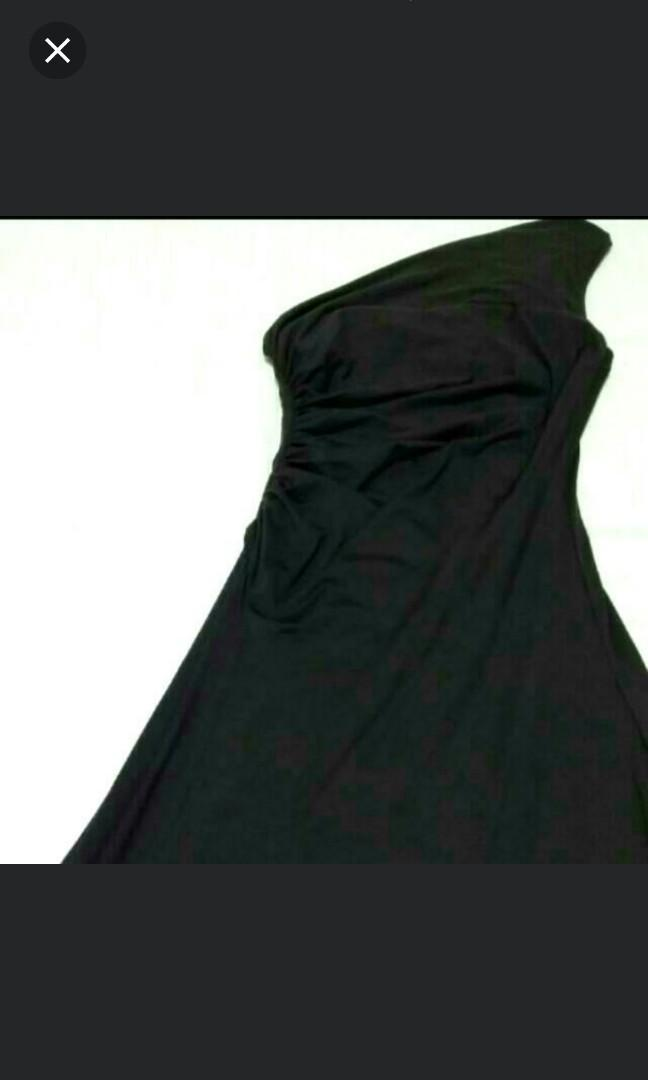 INCREDIBLY Beautifully cut Flowy Floor Length Black Gown .Great Fabric. Priced For Quick Sale. Medium Size Depending On Body Shape. Please Contact For PTP measurements.