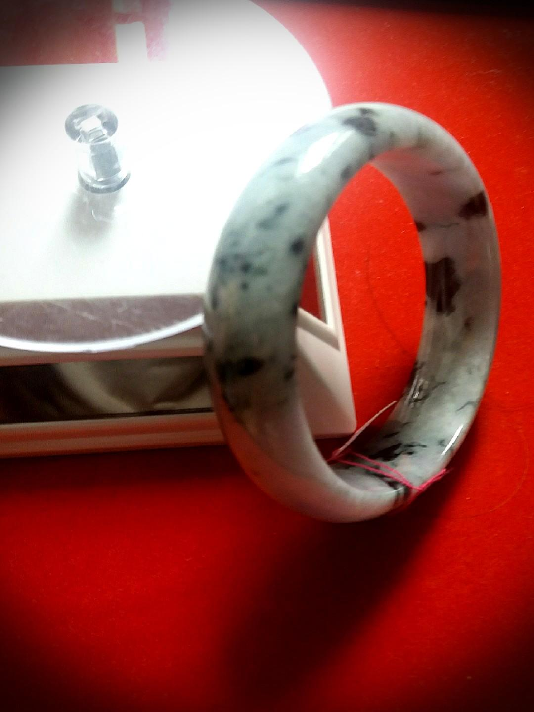 Sales! Geniune Cooling Jadeite Bangle.  Come with Red Velvet Elegant Box for yourself or Loves One!