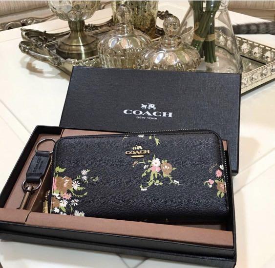 Coach  Accordion Zip Wallet with Floral Bundle Print