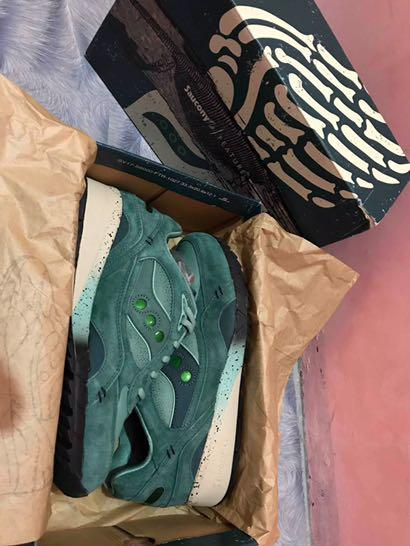 """best service da9db 3166a Saucony Shadow 6000 x Feature """"Living Fossil"""" on Carousell"""