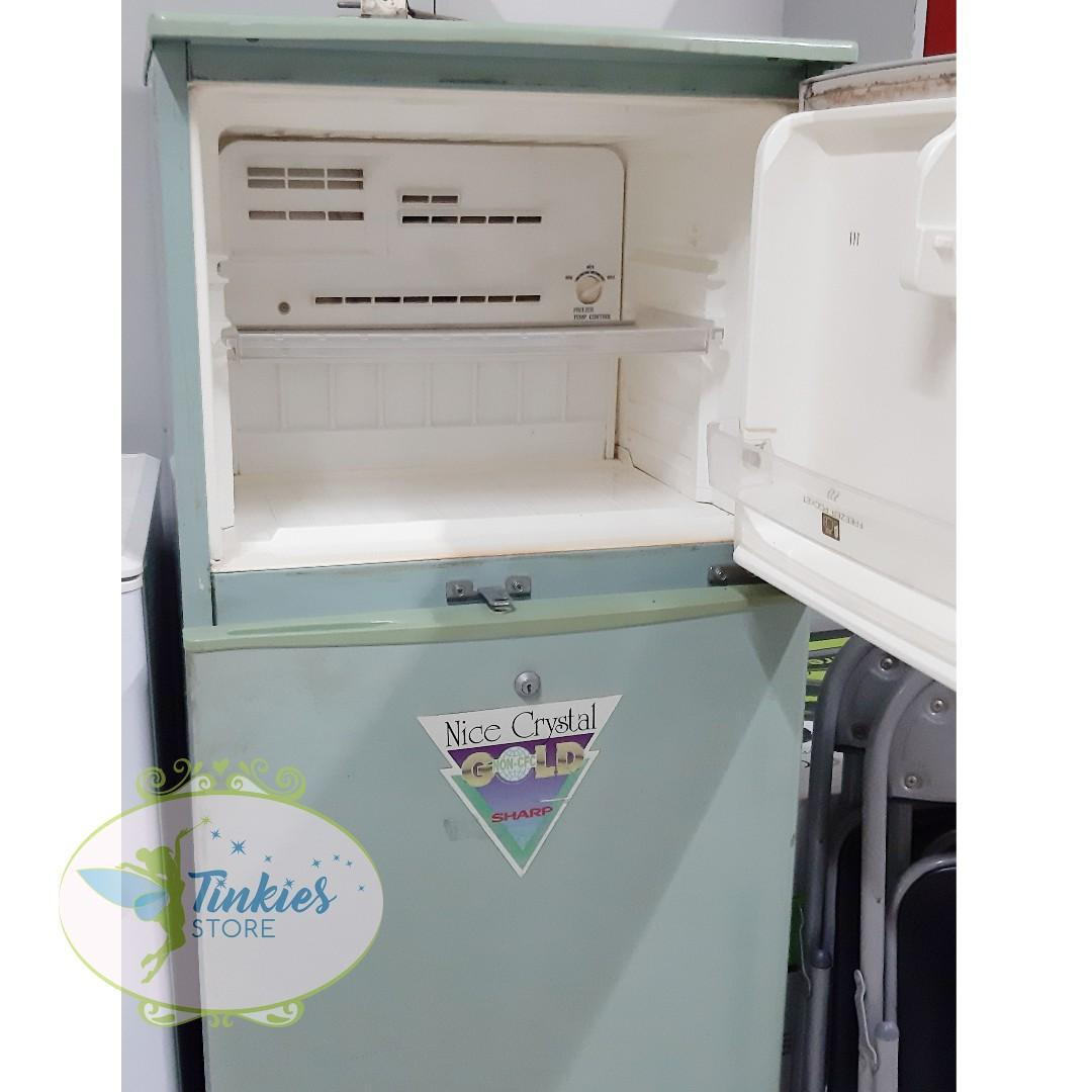 ST-022 Kulkas Hijau Besar (Jual apa adanya)