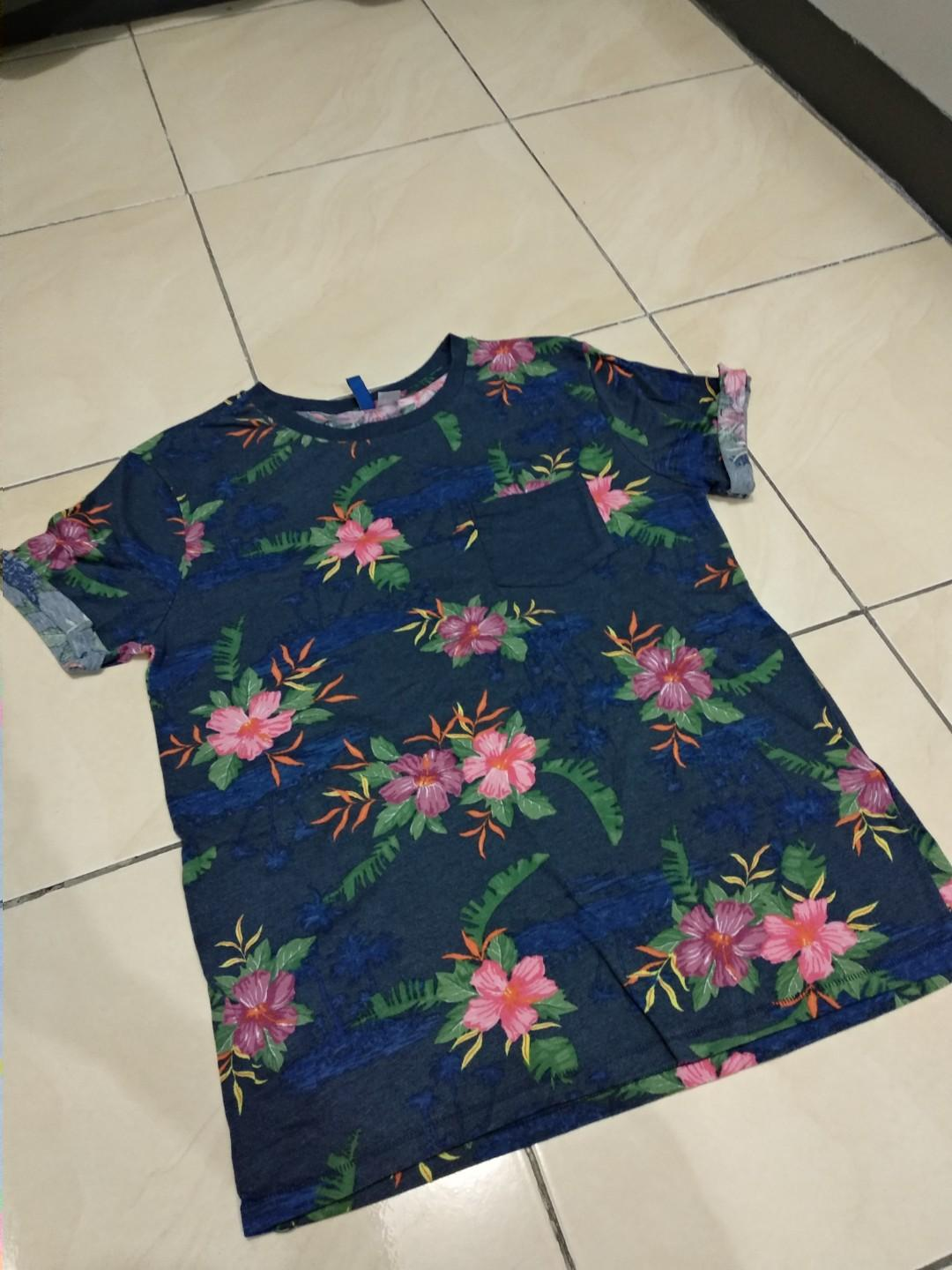 T-Shirt Divide by H&M (Original Made in Turkey, Size M)