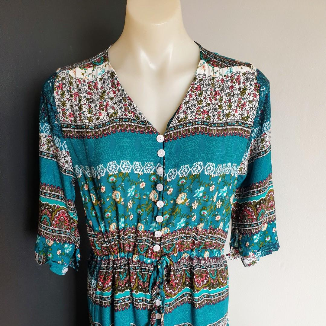 Women's size M Stunning bohemian maxi dress with 3/4 sleeves can be rolled up - AS NEW