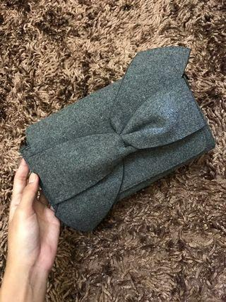 [REPRICED] C&K/CNK/Charles & Keith Clutch