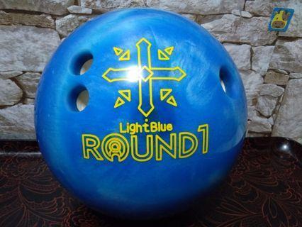 Bowling ball Round 1 light blue 13.2 lbs plastic