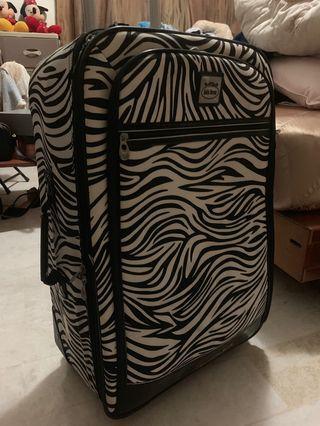 🚚 斑馬紋兩輪行李箱(附贈全新20吋登機箱)