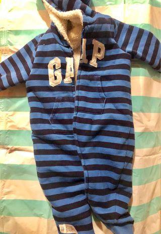 🚚 Gap連身刷毛外套