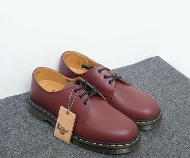 Dr. Martens Low Maroon