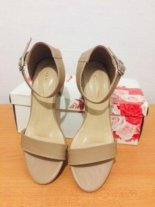PRELOVED sepatu heels claymore - warna MOCCA ukuran 36