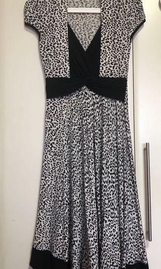 🚚 Leopard prints dress in M (used)