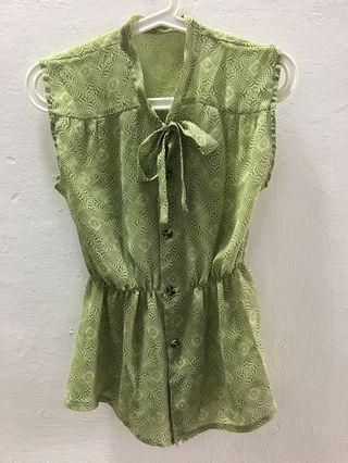 🚚 Pre-loved Printed Green Blouse