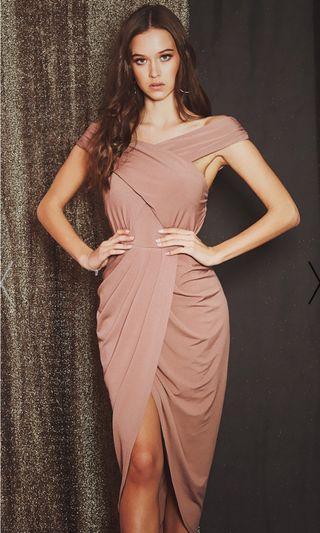 🚚 Elegant Offshoulder Dress