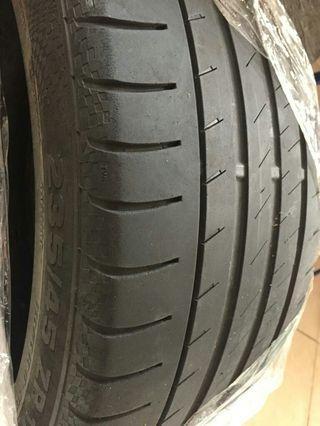 "Tyre Continental (2 pcs) 17"" rim size"