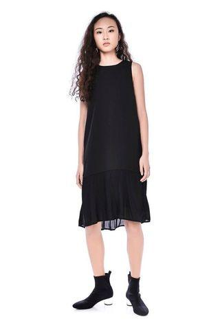 The Editor's Market TEM Beatrix Plisse Hem Dress in Black XS Size