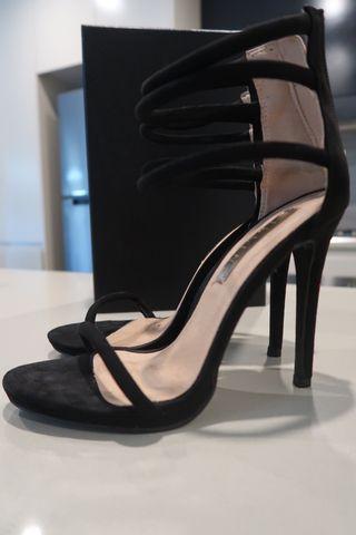 Billini heels size 6