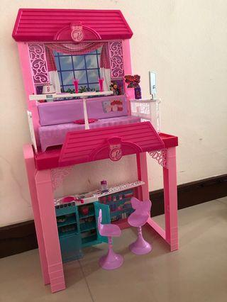 🚚 Barbie Doll House