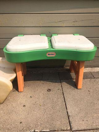 Step kids water and sand table