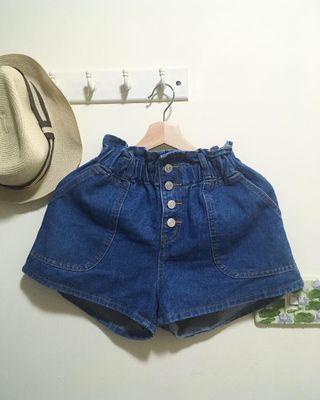 🚚 排釦高腰牛仔短褲